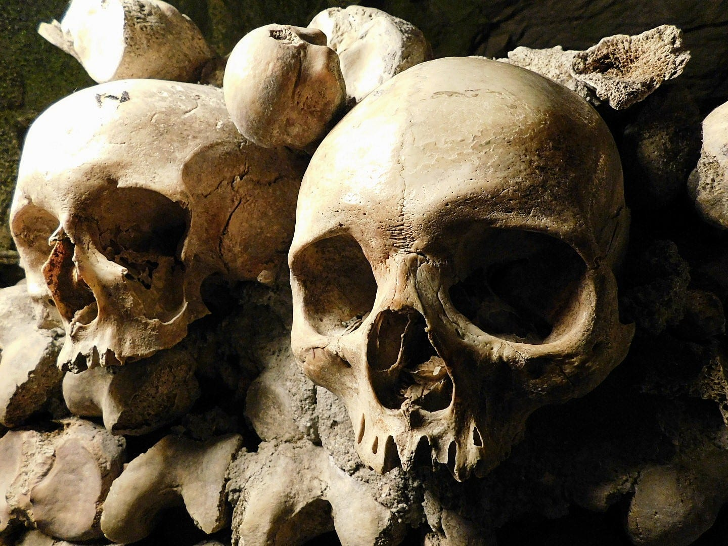 Paris-Catacombs-Skulls