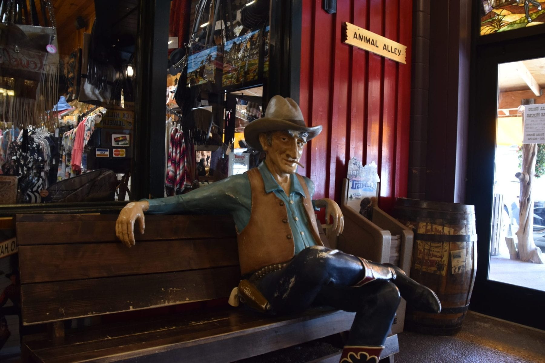 What the heck is Wall Drug Store South Dakota