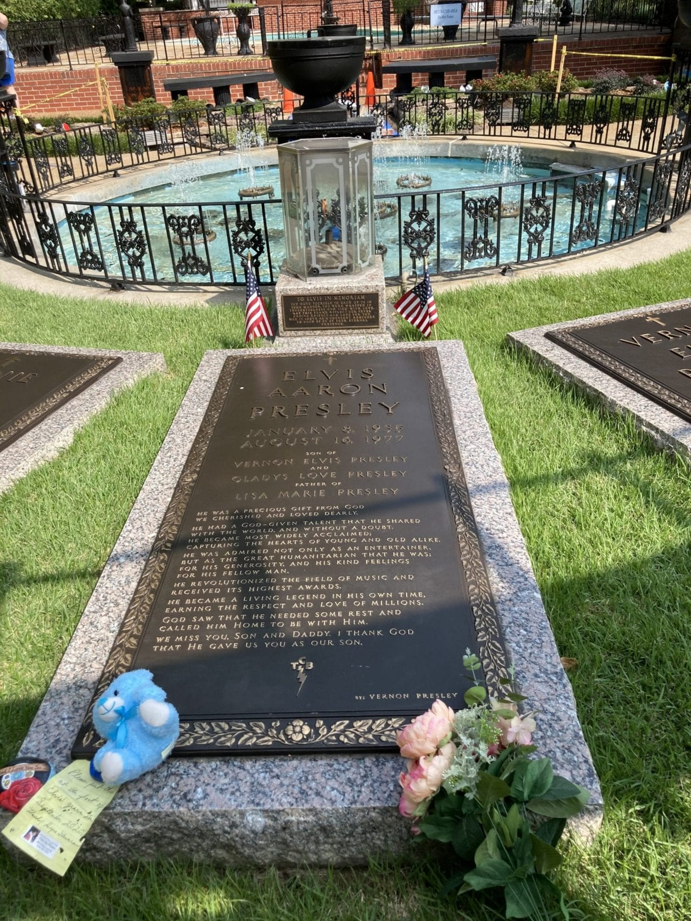 Elvis Tombstone